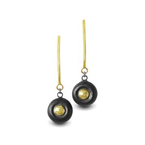 classic-black-and-gold-earrings