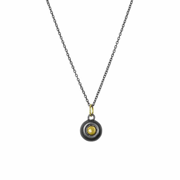 classic-black-and-gold-pendant